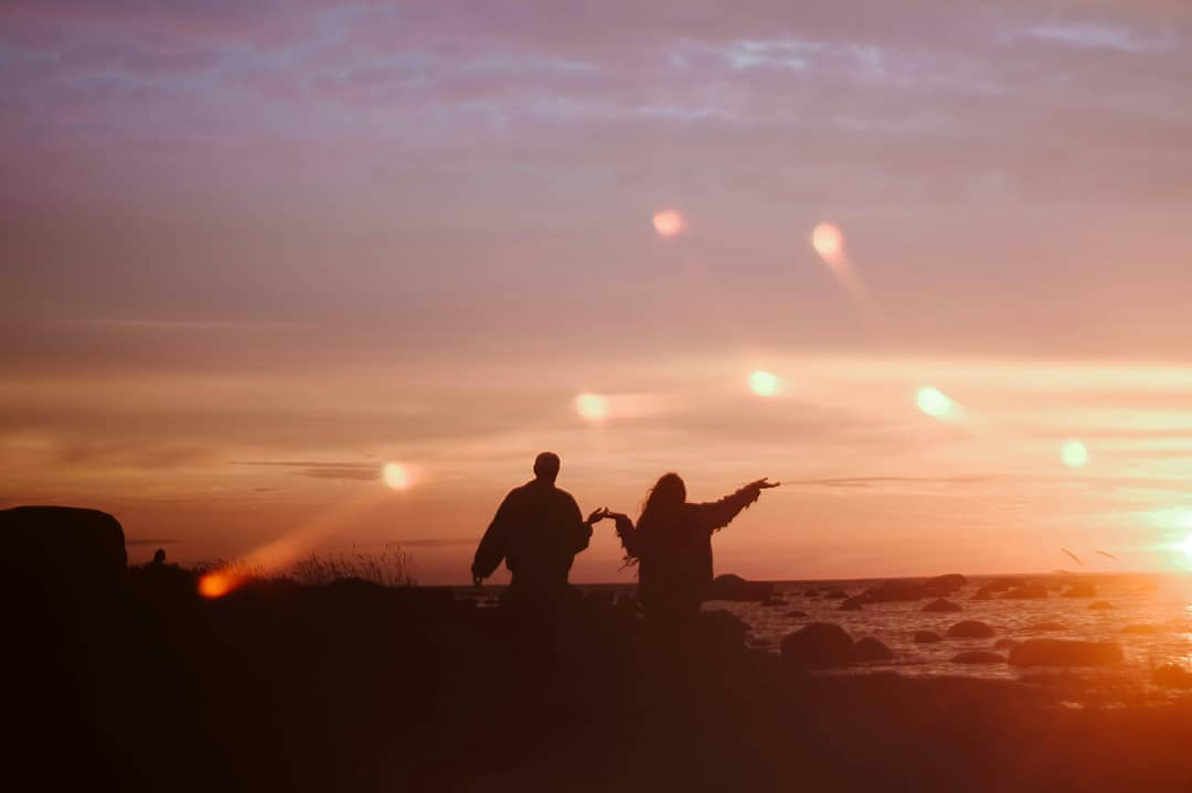 От Волги до Енисея: съемки роуд-муви «Далекие Близкие» с Филиппом Авдеевым и Евгением Сытым
