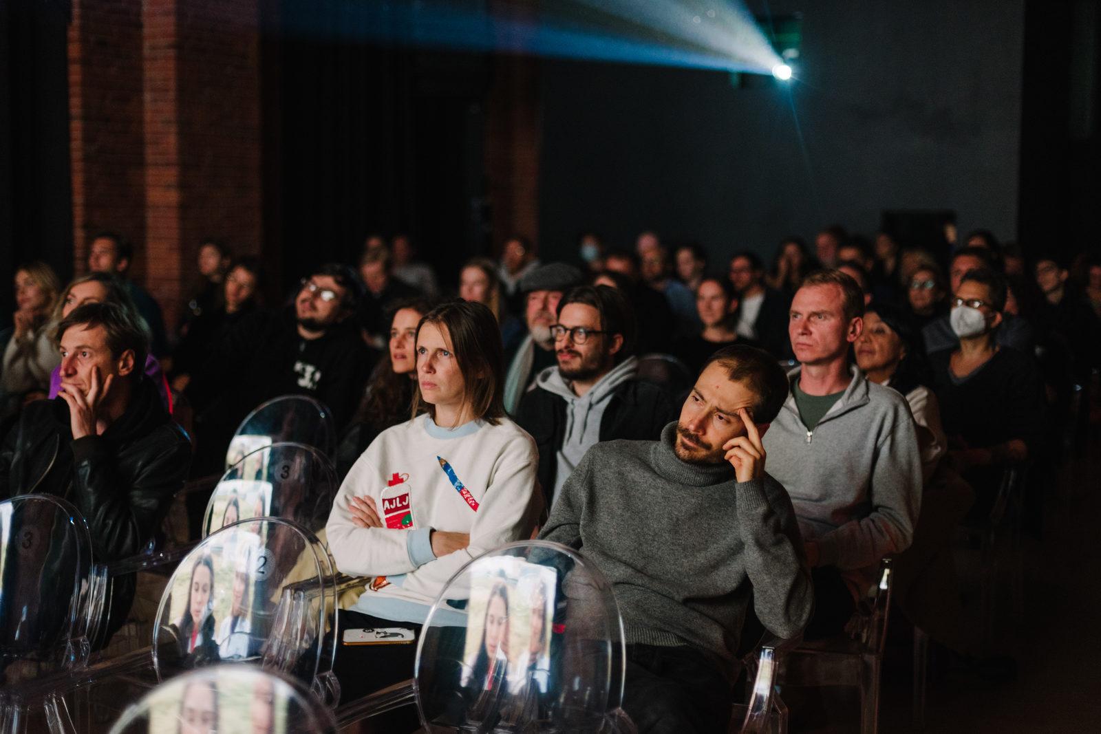 Гран-при II Международного фестиваля дебютного кино в Новой Голландии получила драма «Девушка и паук»